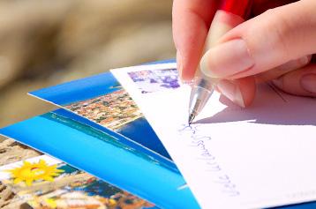 Combien de timbres pour envoyer une carte postale à l'étranger | La Poste