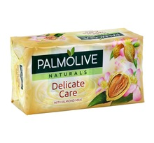 Palmolive Naturals Delicate Care with Almond Milk par 6 Savons de 90g (lot de 4 soit 24 savons)