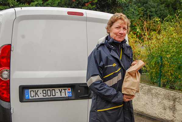 livraison de repas aux seniors à Charenton