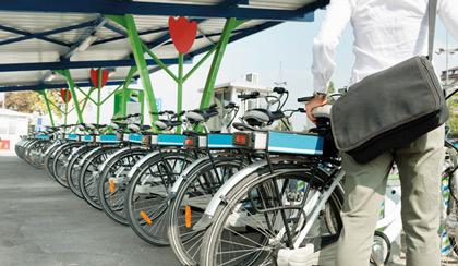 Des vélos à assistance électrique pour les agents de Roissy Pays-de-France