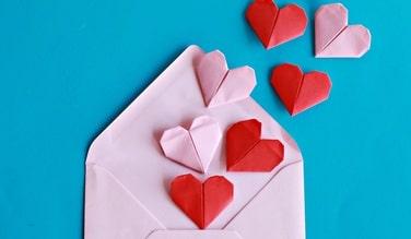 photo d'un coeur en papier rose